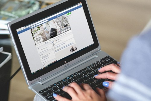 How will Facebook's re-prioritising of social updates affect your marketing?