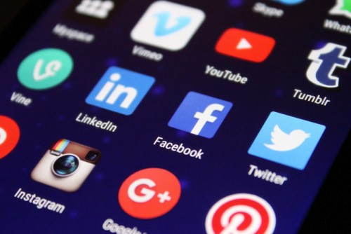 Does your business have a social media policy? Here's what it should cover.