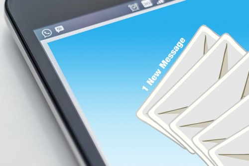 7 ways to increase your email open & click through rates [infographic]